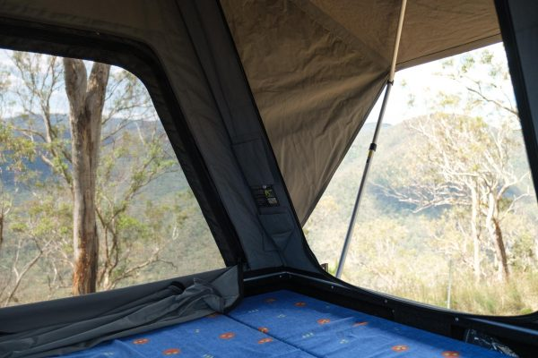 Camp-King-Roof-Top-Tent-2000px-11405
